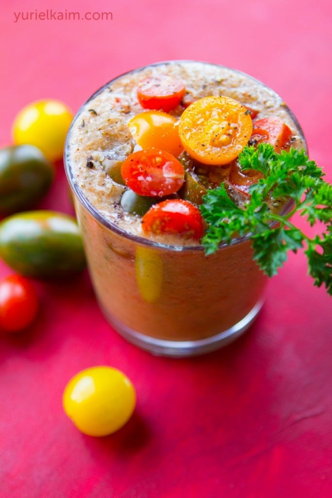 Make Your Own Healthy, Fresh, and Organic V8 Smoothie!