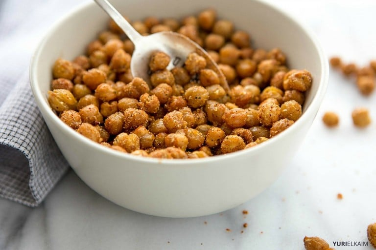 Garlic Oven-Roasted Chickpeas Recipe