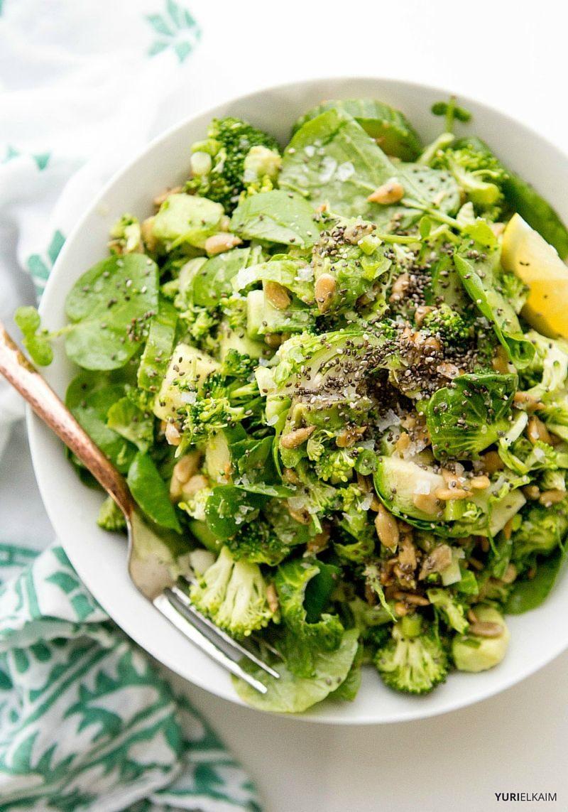 Apple Cider Vinegar and Greens Detox Salad