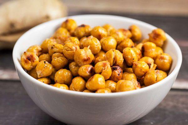 Crispy Asian Roasted Chickpeas via Veggie Chick