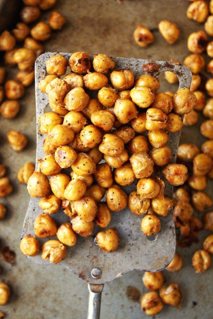 Crispy Garlic Bread Chickpeas via The Garlic Diaries