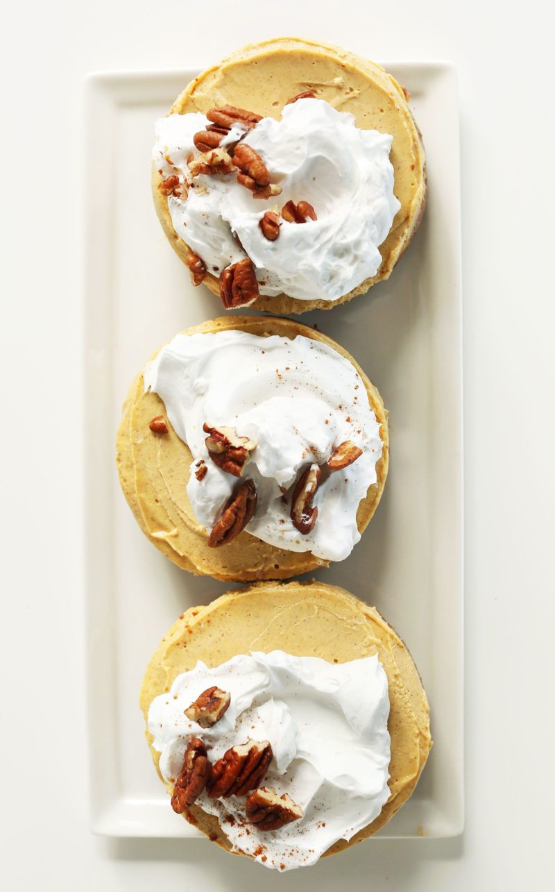 vegan-pumpkin-cheesecake-via-minimalist-baker