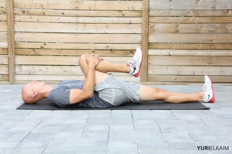 knee-tuck-stretch