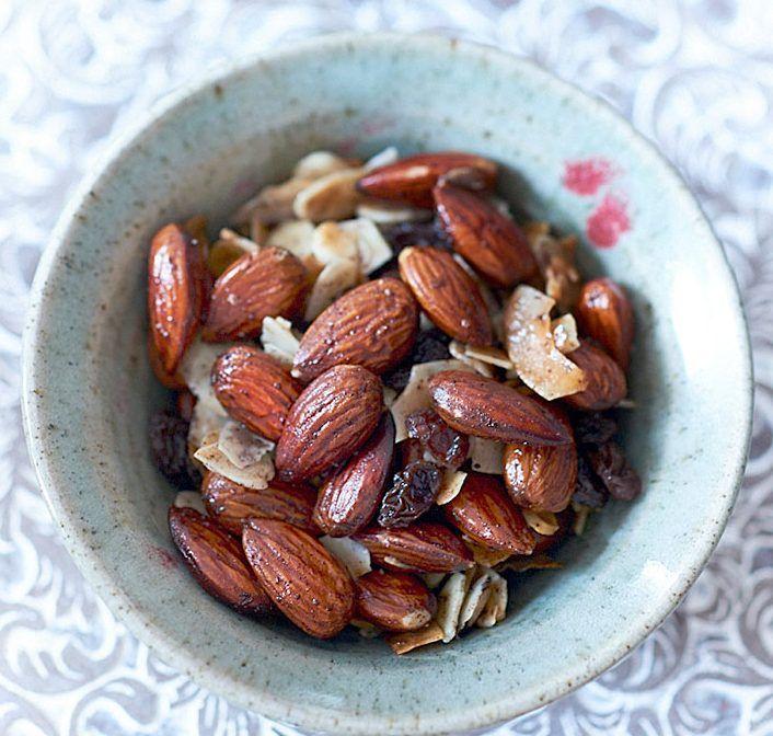 toasted-almond-raisin-and-coconut-trail-mix-via-deliciously-ella