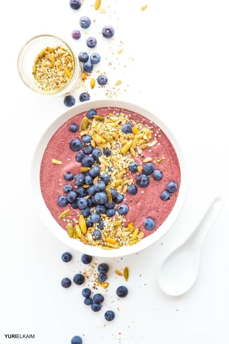 green-smoothie-bowl-with-blueberries-and-acai-via-yuri-elkaim