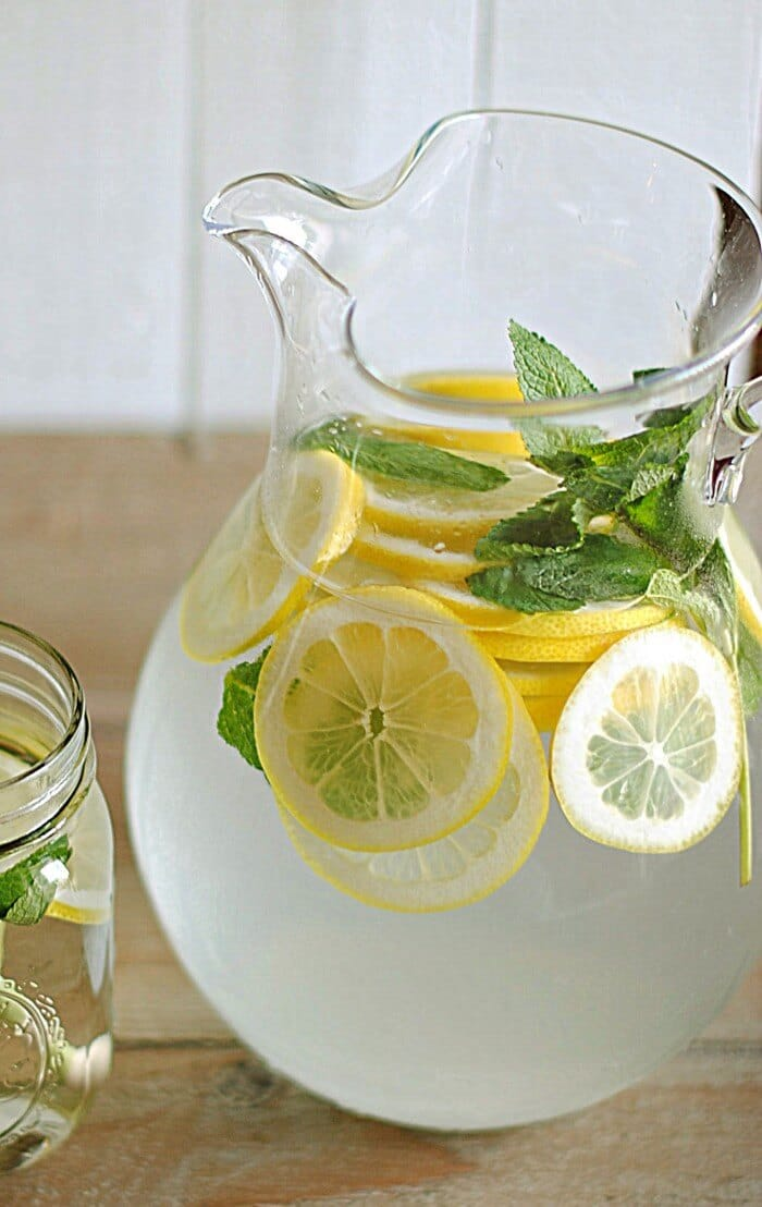 Lemon Water with Fresh Mint via Eat Yourself Skinny